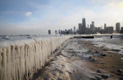 la-afp-getty-sub-zero-temperatures-put-chicago-20140106