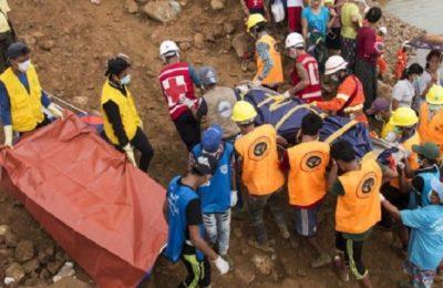 myanmar-landslide-buries-at-least-54-jade-miners